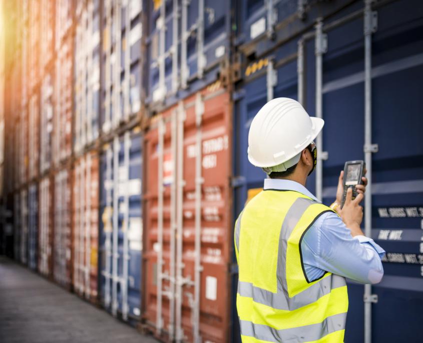 Kontrolle von Containern